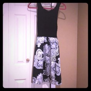 🌸Black sweater dress with black and white skirt